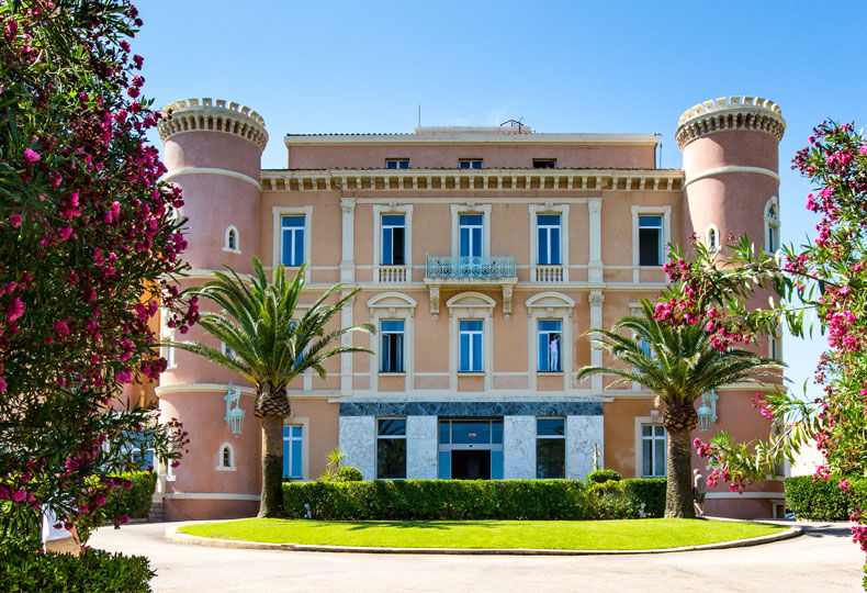 Langley resort napol on bonaparte corsica langley hotels for Hotels ile rousse